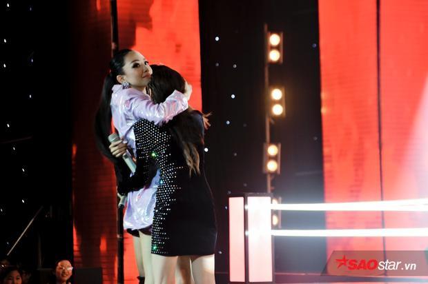 Sau nút chặn, Thu Phương  Lam Trường lại quyết đấu nút cứu trước cô nàng Đoan Trang