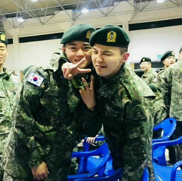 Nhiều người nghi ngờ G-Dragon được biệt đãi khi tham gia nhập ngũ.