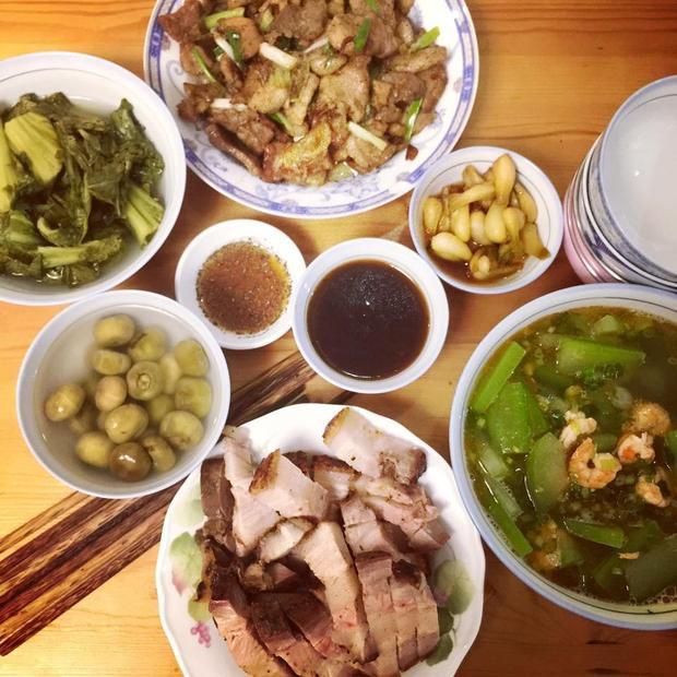 Bữa cơm của Bích Phương cũng là một gợi ý cho nhiều bà nội trợ để chuẩn bị cho gia đình.