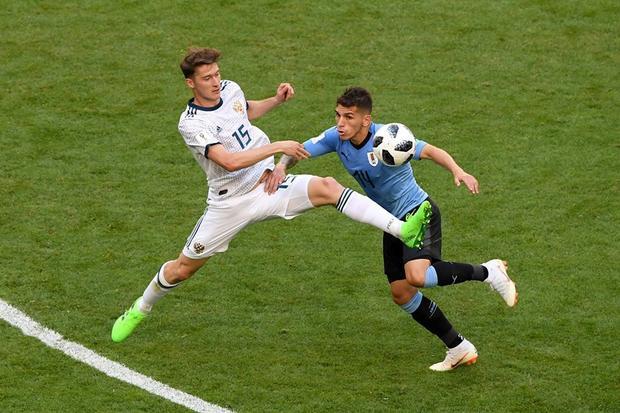 Uruguay hạ Nga để giành ngôi đầu bảng A. Ảnh: FIFA