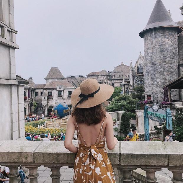 Nhiều người khi ghé thăm Bà Nà đều nói rằng, dường như đang tận lạc vào chốn bồng lai tiên cảnh.Ngoài ra, bạn có thể thoải mái ngắm nhìn Đà Nằng từ cáp trên cao. @touyen__