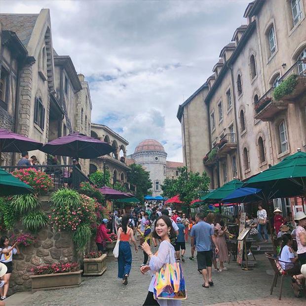 Bà Nà chính là điểm đến thú vị và có nhiều nơi để du khách ghé thăm như tượng Phật Thích Ca mô ni tọa thiền lớn nhất châu Á ở Linh Ứng Tự Bà Nà, không gian Châu Âu tại ngôi làng Pháp… @one_vely_s