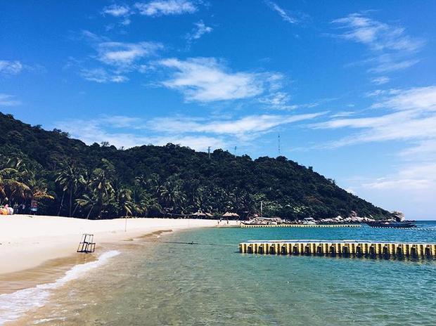 Cù lao Chàm gồm có 8 đảo với những bãi cát trắng trải dài, uốn lượn vô cùng bắt mắt. @namuaha