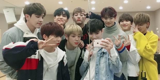 9 chàng trai tài năng của nhóm chiến thắng MIXNINE.