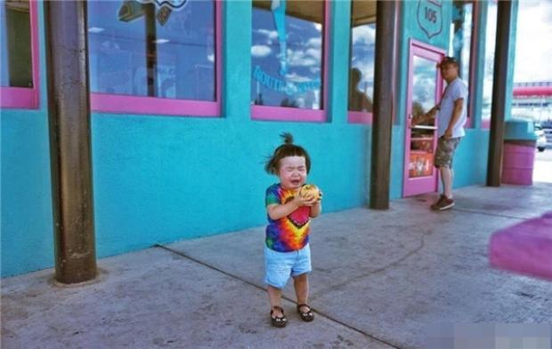 Cô nhóc ăn cả thế giới ngày nào đã tái xuất với bộ ảnh chỉ cần nhìn thôi là muốn đẻ con gái rồi