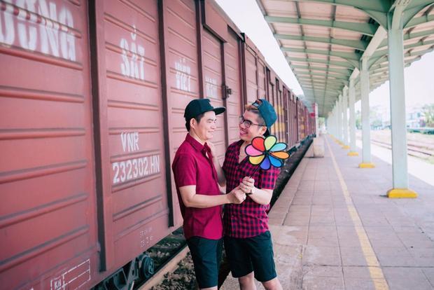 Chuyện tình cặp đồng tính nam cách nhau 21 tuổi: Sau khi cưới chuyện bát đũa xô nhau chỉ là gia vị hạnh phúc