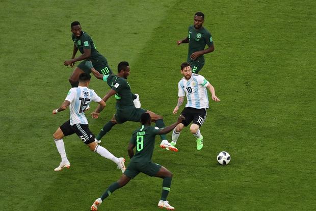 Messi là ngôi sao sáng nhất trận đấu của Argentina trước Nigeria. Ảnh: FIFA