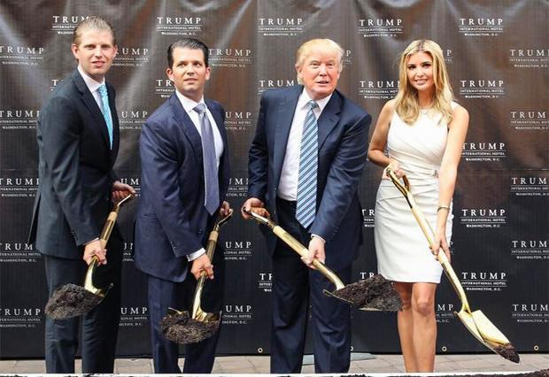 Sự đầu tư vào chuỗi khách sạn quốc tế Trump International tại Washington mang về gần 4 triệu USD thu nhập cho Ivanka Trump.