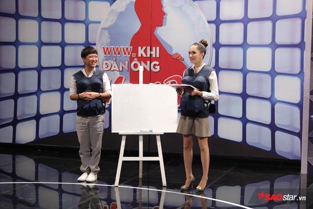 Trường Giang - Hương Giang chuyên nghiệp, duyên dáng.