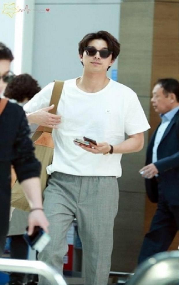 Trong lúc để fan ngóng chờ bộ phim tiếp theo trình làng, Gong Yoo vẫn gây thương nhớ bởi diện mạo nổi bật