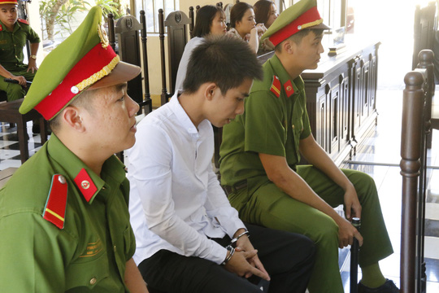 Phan Anh Tú tại tòa. Ảnh: Người Lao Động.