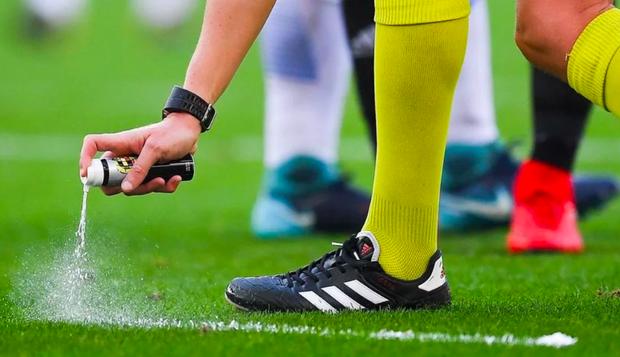 Bọt tự tan đến nay xuất hiện tại rất nhiều giải đấu lớn, nhỏ trên thế giới. Ở World Cup 2018, dĩ nhiên nó cũng được áp dụng.