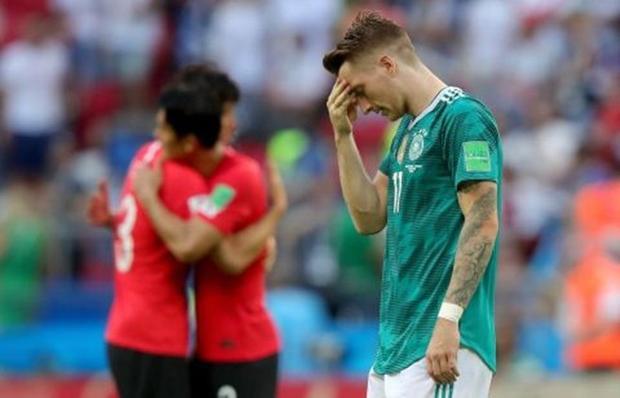 """Đáng tiếc là năm nay, Đức lại bị loại một cách bất ngờ ngay từ vòng bảng. Thế nên nhiều người hâm mộ """"cỗ xe tăng Đức"""", đặc biệt là các chị em cũng không khỏi đau lòng cho cầu thủ này."""