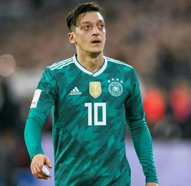 Đức bị loại khỏi World Cup: Khoảnh khắc dàn cầu thủ đẹp hơn hoa rơi nước mắt, chị em tan nát cõi lòng!