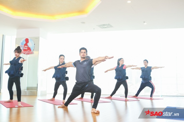 Thánh lầy Hương Giang sợ rụng mi giả, Trấn Thành không phục kết quả ở thử thách tập Yoga