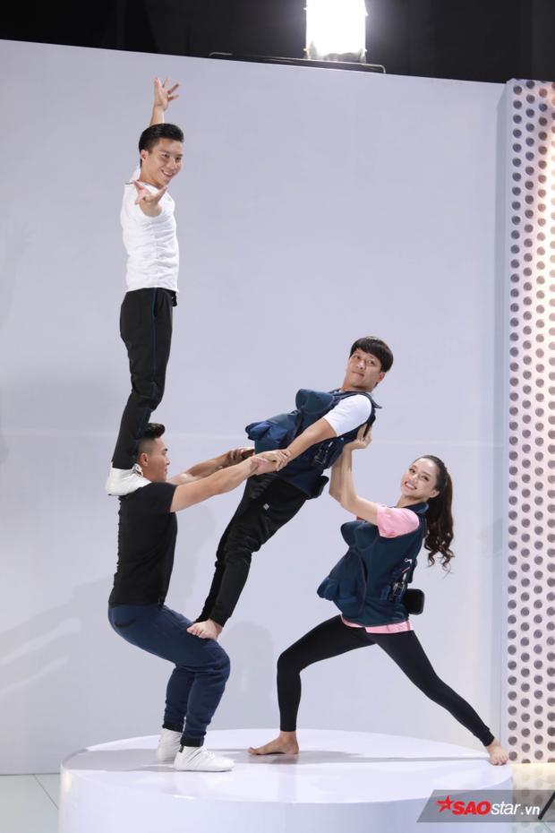 """Với sự kết hợp liều lĩnh, """"hợp cạ"""", Song Giang đã giành được số điểm cao nhất, tiếp tục chiến thắng ở thử thách này."""