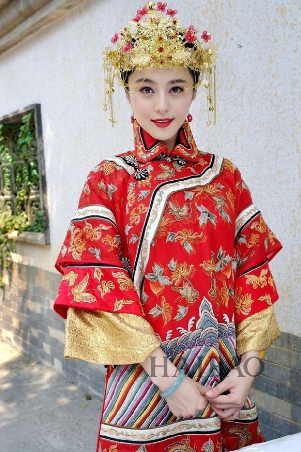 """Phạm Băng Băng đẹp truyền thống trong trang phục áo cưới khi đóng phim """"Yên Chi Tuyết"""""""