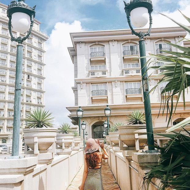 Vũng Tàu bỗng hoá thành Paris tráng lệ chỉ qua góc chụp tại khách sạn Imperial - Ảnh: @tranglala