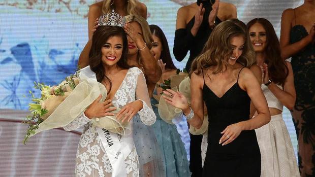 Vượt qua 31 ứng cử viên nặng kí, người đẹp Francesca Hung đã xuất sắc đăng quang ngôi vị cao nhất trong sự ủng hộ đông đảo của khán giả.