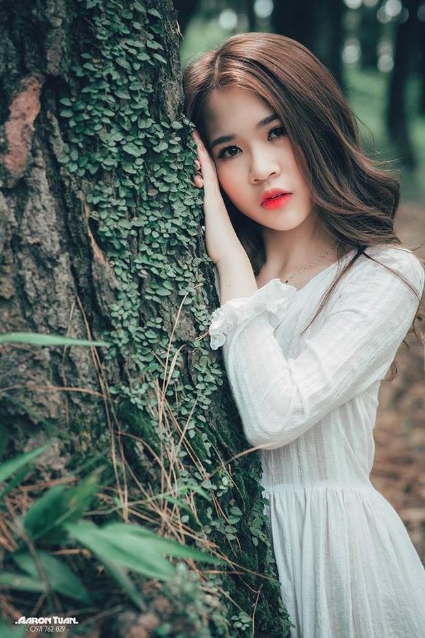 Đỗ Hà Trang sinh năm 1999 ở Nam Định. Cô gái trẻ này vừa chân ướt chân ráo bước vào giảng đường Đại học nhưng đã có khả năng tự lập khá sớm.