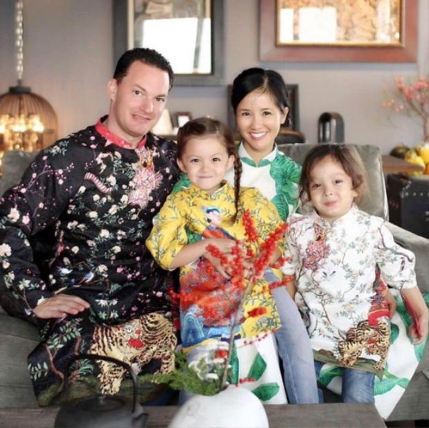 Gia đình hạnh phúc của Hồng Nhung trước đây.