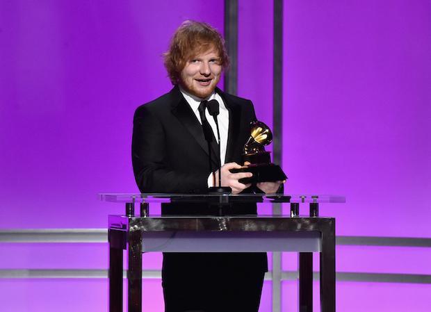 Thinking Out Loud của Ed Sheeran là Ca khúc của năm tại lễ trao giải Grammy 2016.