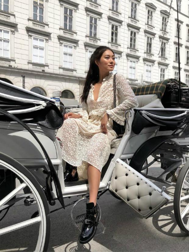 Lê Thảo Nhi là gương mặt mới của hội con nhà giàu Việt. Cô gái đang gây chú ý sở hữu hơn 100.000 lượt theo dõi trên instagram. Trong giới thời trang, cô nàng là blogger quen mặt với giới trẻ Việt.