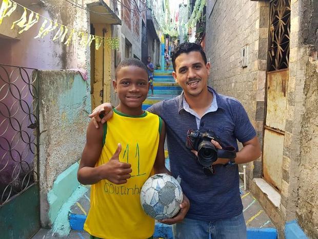 Nhiếp ảnh gia Bruno Itan cùng Wallace Rocha tại Rio de Janeiro