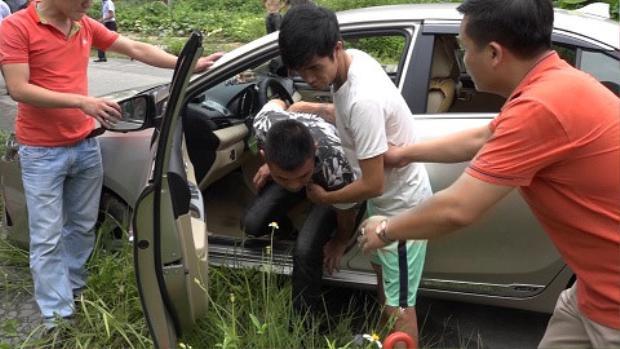 Buổi thực nghiệm hiện trường vụ giết tài xế, cướp taxi ở Thanh Hà, Hải Dương. Ảnh: Công an tỉnh Hải Dương.