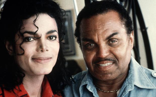 Michael Jackson thừa nhận, anh cảm thấy may mắn khi có một người bố như thế này.