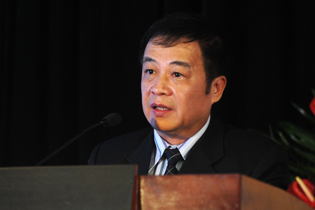 Giáo sư Nguyễn Hữu Việt Hưng.