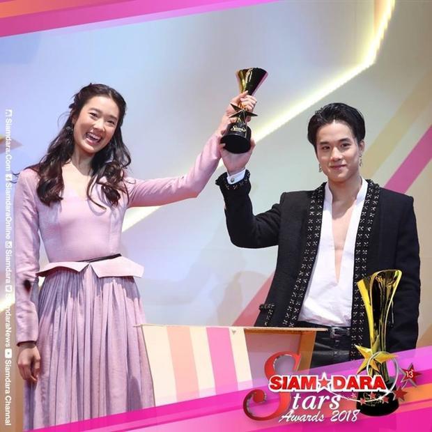 Siêu phẩm 'Ngược dòng thời gian' rinh giải thưởng lớn, cả Pope Thanawat và Bella Ranee đều vắng mặt
