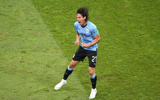 Cavani trở thành người hùng của ĐT Uruguay. Ảnh: Fifa.com.
