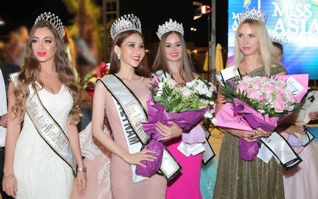 Chi Nguyễn đăng quang Hoa hậu châu Á Thế giới 2018.
