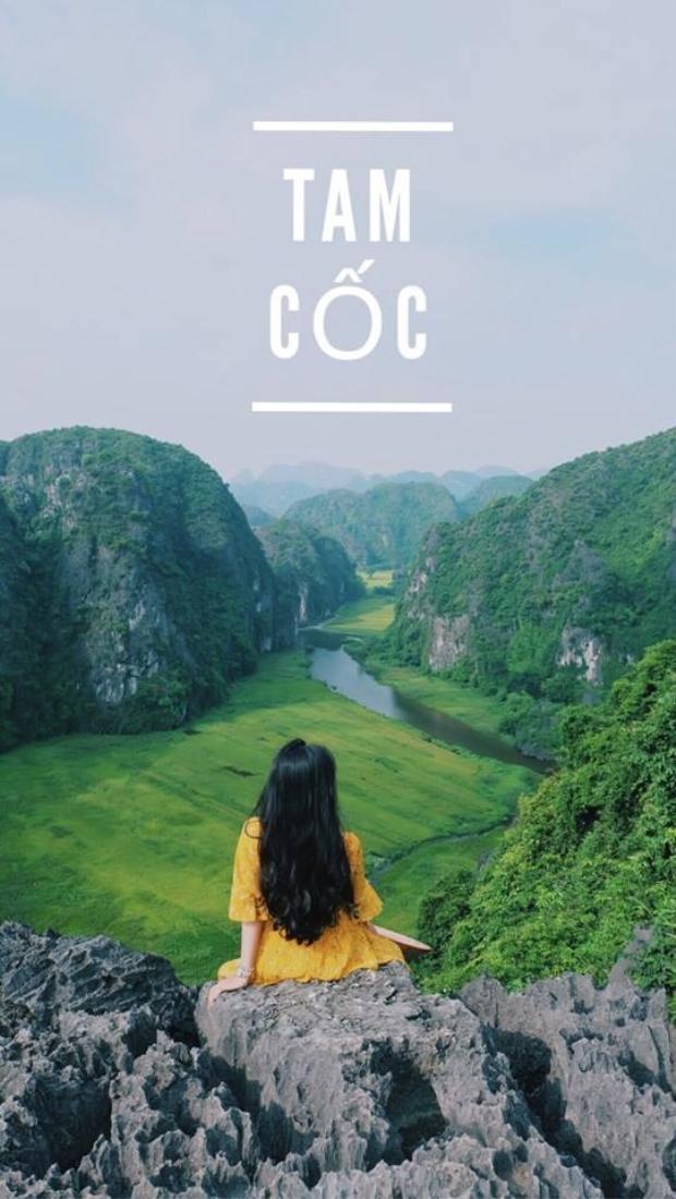 Điểm đến đầu tiên, là Hang Múa. Tới đỉnh Hang Múa, bạn sẽ được chiêm ngưỡng toàn cảnh khu vực Tam Cốc với những cánh đồng lúa bạt ngàn, chín vàng. Tất cả hiện lên như một bức tranh!