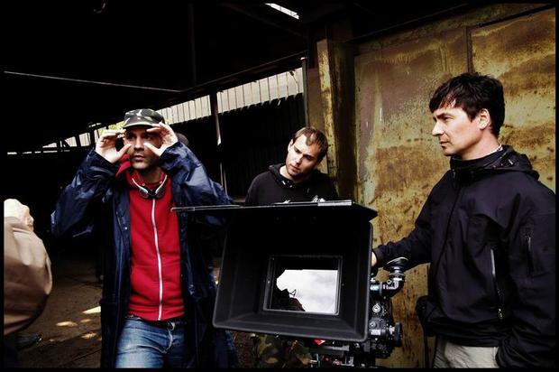 """Trent Opaloch (ngoài cùng bên phải) là biên kịch của """"The Winter Soldier"""", """"Civil War"""" và """"Infinity War""""."""