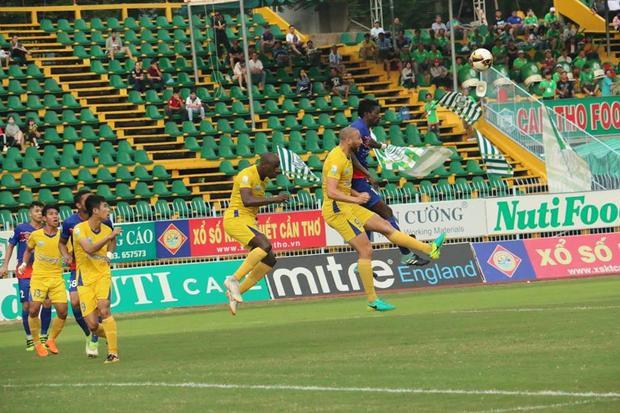 Cần Thơ thất bại 1-2 trước Khánh Hòa.