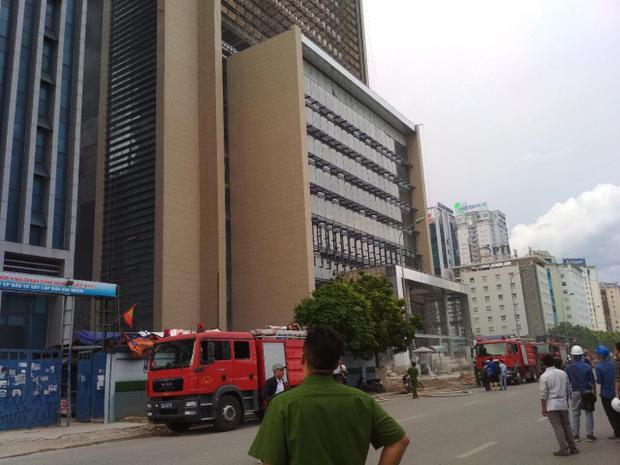 Lực lượng cảnh sát PCCC nhanh chóng có mặt tại hiện trường.
