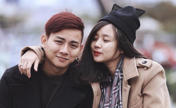 Cả hai vẫn mặn nồng sau 2 năm hẹn hò, không có chuyện chia tay như tin đồn trước đó.