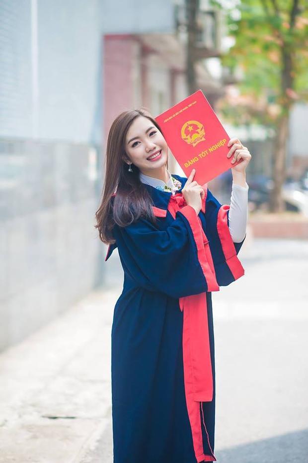 Á khôi ĐH Luật Hà Nội 2016 Nhữ Lê Thùy Linh xinh đẹp trong ngày tạm biệt mái trường