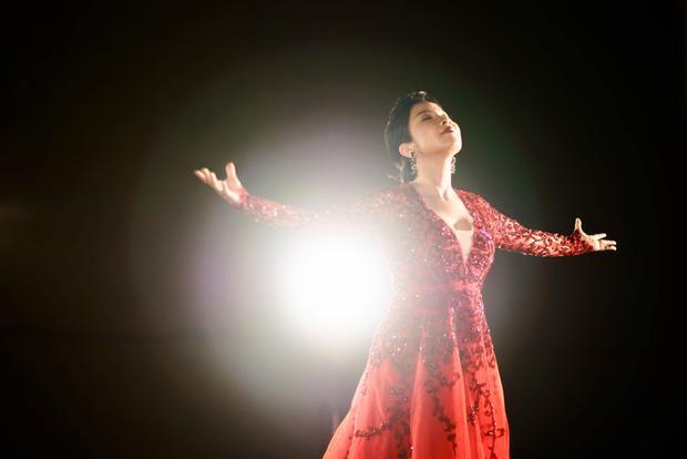 MV lấy ý tưởng từ bản gốc của bài hát là bản giao hưởng Anh Quốc LAND OF HOPE AND GLORY (Vùng đất của hy vọng và vinh quang).