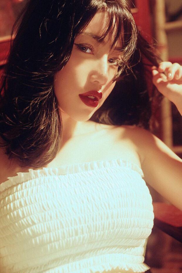 Không thể phủ nhận vẻ sexy, cuốn hút của nữ diễn viên 31 tuổi này.