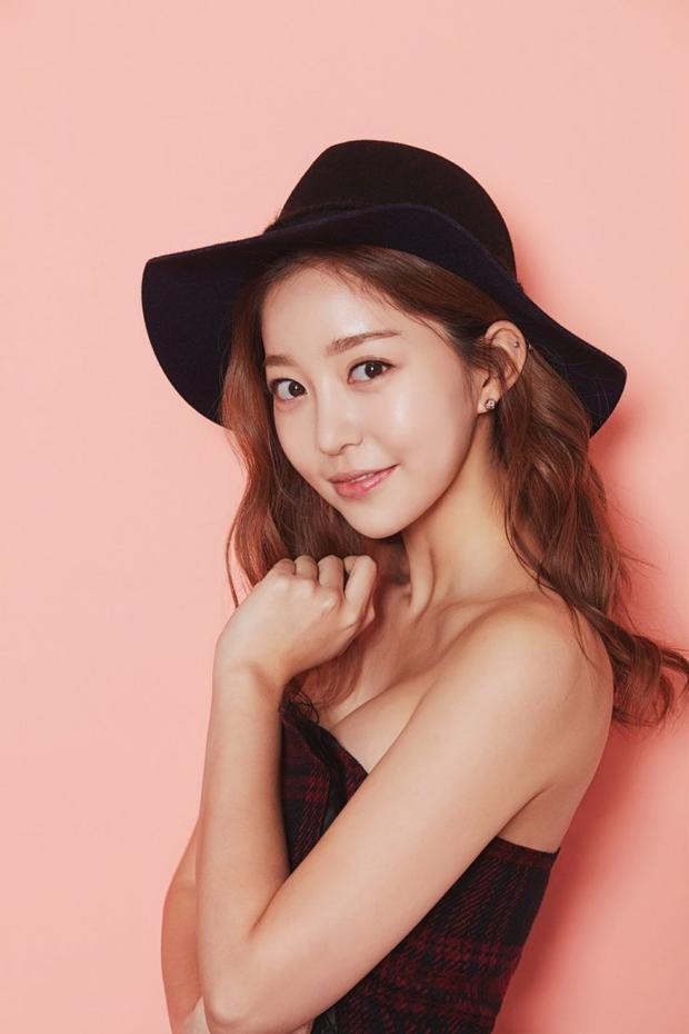 Kim Ka Eun, gầnđây nhất cô tham gia hai bộ phimBecause This Is My First Life vàReunited Worlds