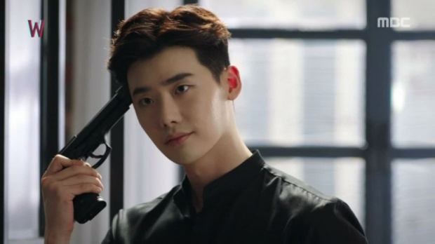 """Đối với Lee Jong Suk, anh nhận được trung bình khoảng từ 120.000 đến 140.000 USD mỗi tập phim. Sau bộ phim """"Khi nàng say giấc"""" sản xuất năm 2017, ước tính nam diễn viên trẻ đã kiếm về tối thiểu 3,4 triệu đô la cho 32 tập phim."""