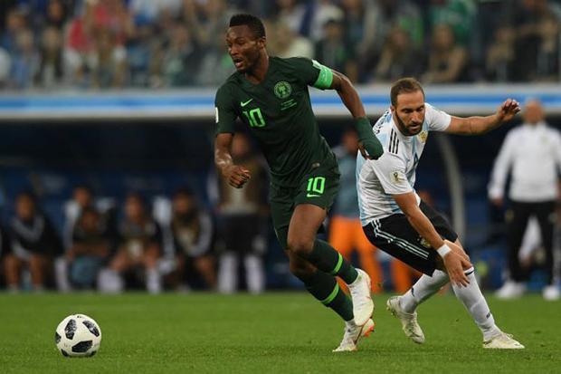 Obi Mikel tiết lộ cha của mình bị bắt cóc ngay trước trận gặp Argentina.