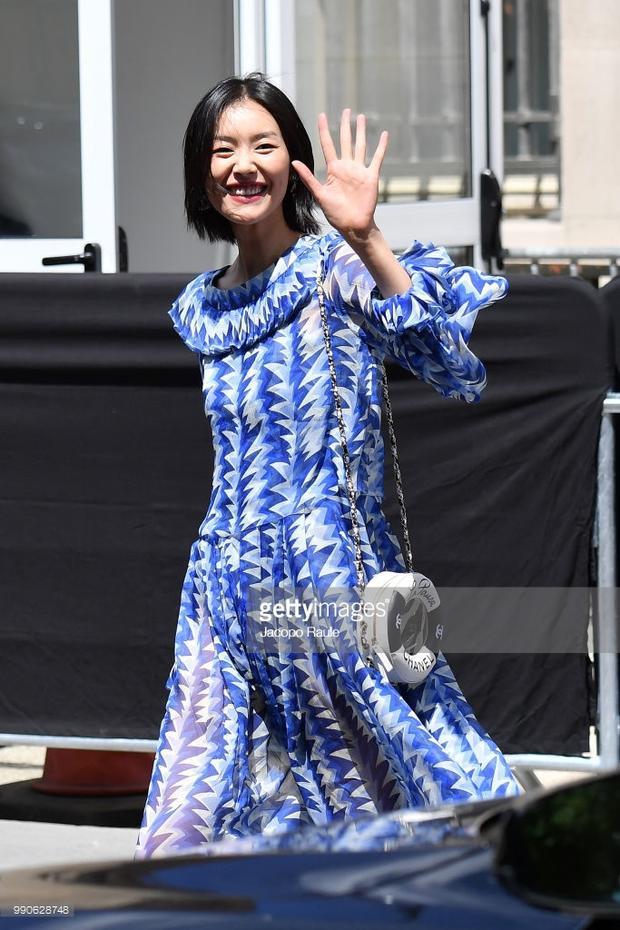 Han Hyo Joo đọ sắc cùng Châu Tấn và nữ chính Bad Genius tại Pháp