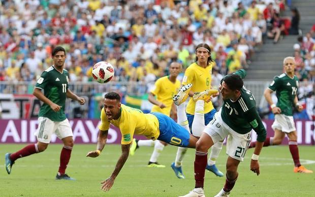 Neymar được nuông chiều thái quá ở khắp mọi nơi. Ảnh: Fifa.com.