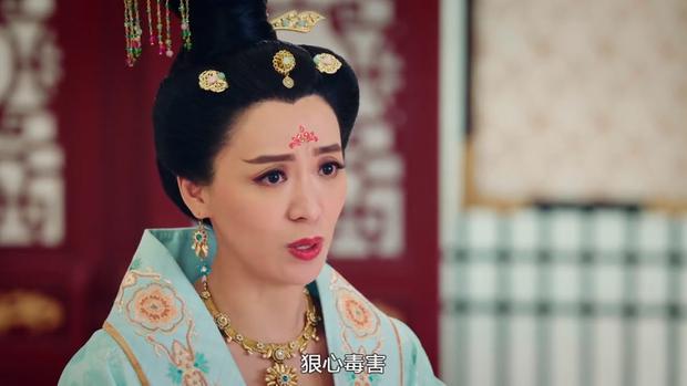 Trần Triển Bằng và Trần Vỹ - hai diễn viên họ Trần chiếm spotlight mùa hè màn ảnh nhỏ TVB năm nay bằng những vai diễn phản diện cuốn hút