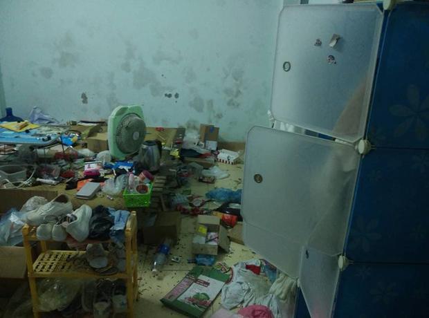 Hình ảnh về căn phòng bừa bộn của nữ sinh khiến nhiều người ngán ngẩm. Ảnh: Bách Kinh Xây Confessions.
