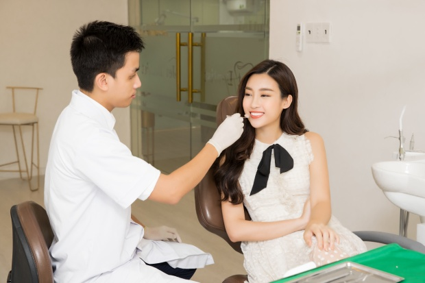 Hoa hậu Đỗ Mỹ Linh sở hữu nụ cười rạng rỡ nhờ Jet Dentist.